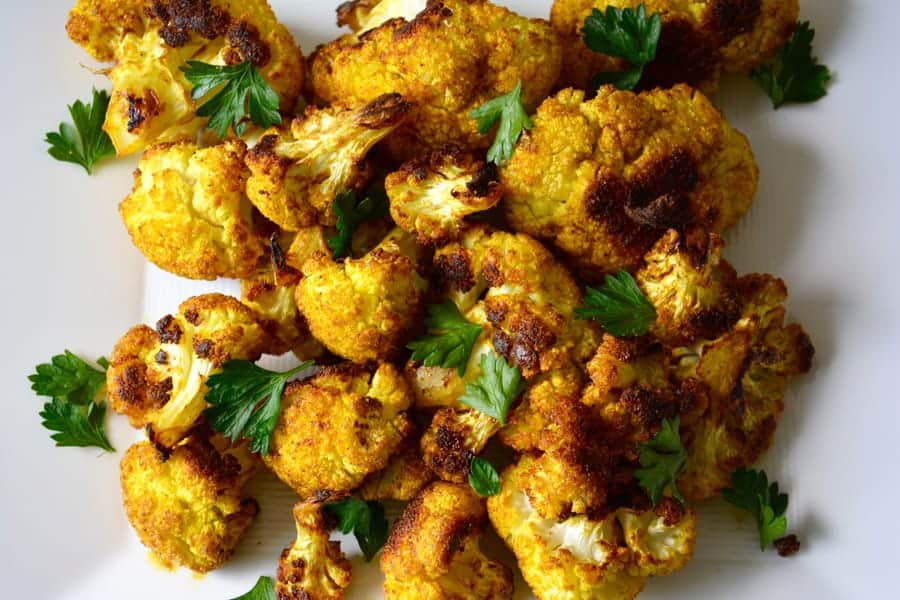 Roasted Curry Cauliflower | Pralines and Greens